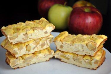 Apfel-Protein-Käsekuchen-Riegel (Glutenfrei, Zuckerfrei)