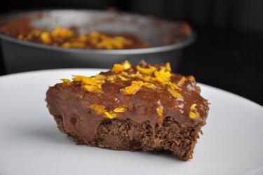 Gesunder Schoko-Orangen-Kuchen aus Kichererbsen