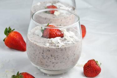 Gesunde Overnight-Oats mit Erdbeeren