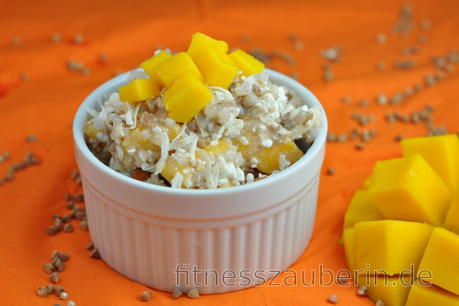 Gesunder Salat mit Mango