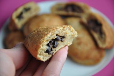 Schoko-Vollkorntäschchen mit Kakaobohnen - Pain au Chocolat