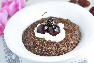 Quinoa-Brei mit Kaffee und Kakao