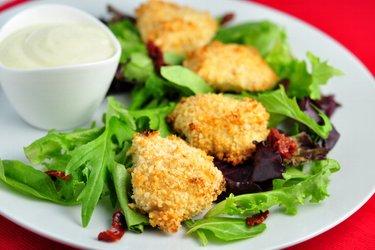 Einfach gebackene Chicken Nuggets in Joghurtkruste