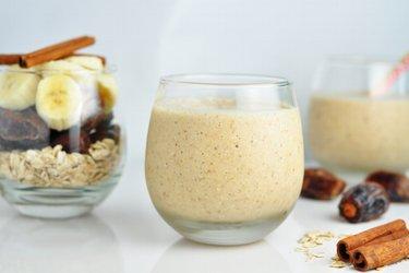Frühstücks-Smoothie mit Bananen & Hafer
