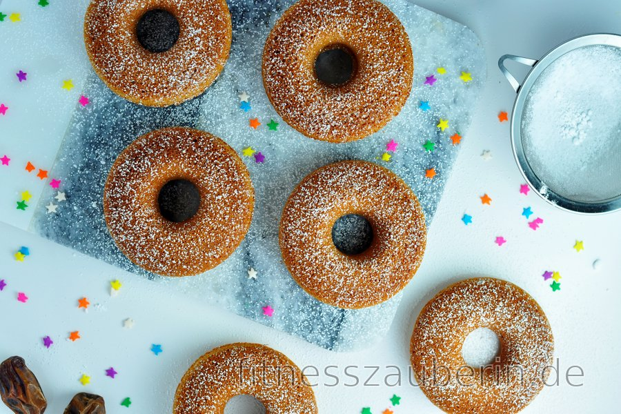 Einfache gebackene Hafer-Donuts