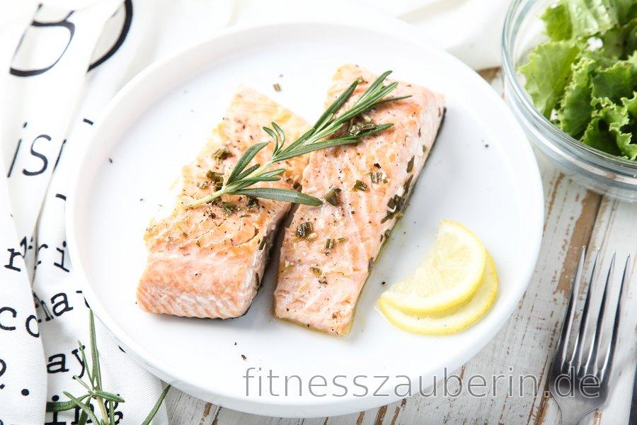 Fitness-Lachs in Zitrone und Rosmarin