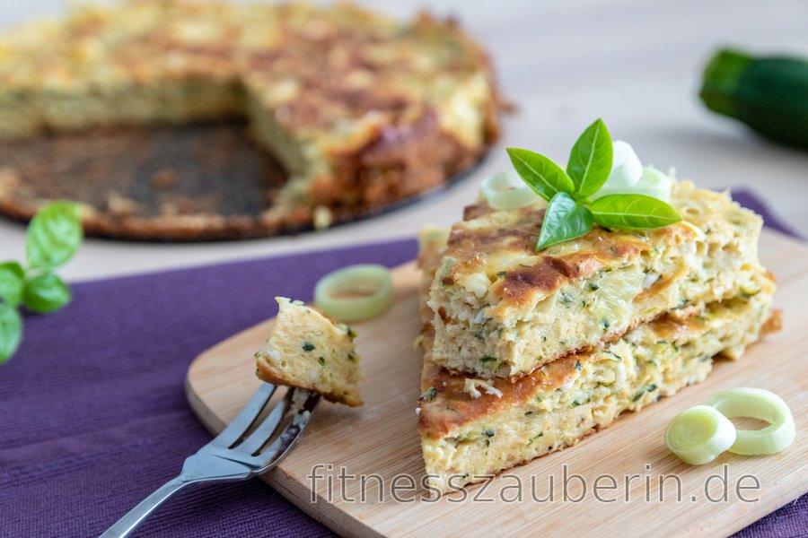 Herzhafter Fitness Zucchini-Kuchen mit Hüttenkäse