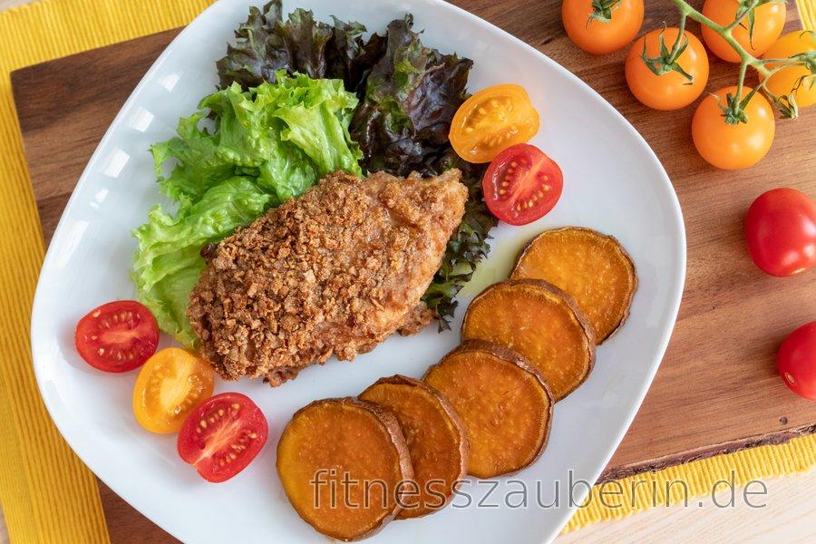 Gebackenes Fitness-Schnitzel mit Süßkartoffeln