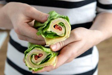 Kohlenhydratarmer Salat-Wrap