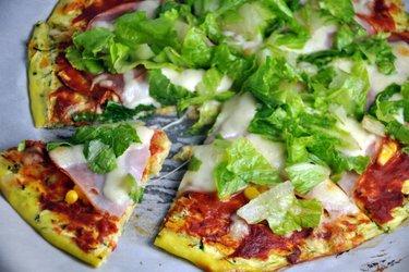 Gesunder Zucchini-Pizzateig